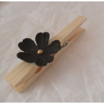 Decorative Wooden Peg. 70mm. IVORY Colourwash & BLACK FLOWER